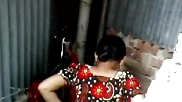 বোকা দয়িত ভয় পাই এবং পুল থেকে তাকে লাগে www xnxx con বাংলা