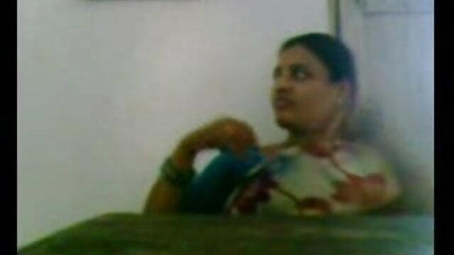 লাল চুলের, সুন্দরি সেক্সি মহিলার xnxx বাংলা